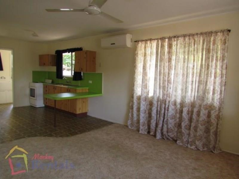 2/28 Cabbage Tree Road, ANDERGROVE, QLD 4740